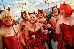 Dougie Wallace_Blackpool_2012-horny devils book_Online