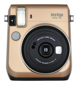 bild-3_fujifilm-instax-mini-70_gold-packshot_highres